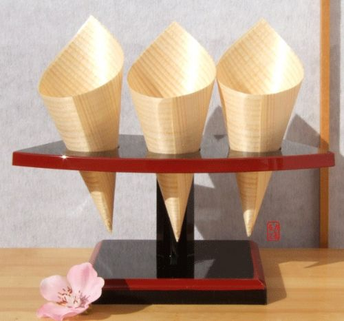 Temaki Sushi stand for 3 rolls Japanese in lacquered melamine with 100 wood cones